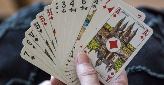 Jeux de cartes belote